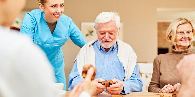 Nursing-home-care-for-seniors